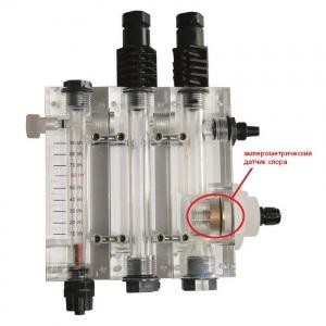 3-х камерная ячейка с держателями датчиков Seko. Расходомер + pH, 12 мм + Redox(ОВП), 12 мм + амперометрический датчик хлора (датчик включен) арт. 9900103051